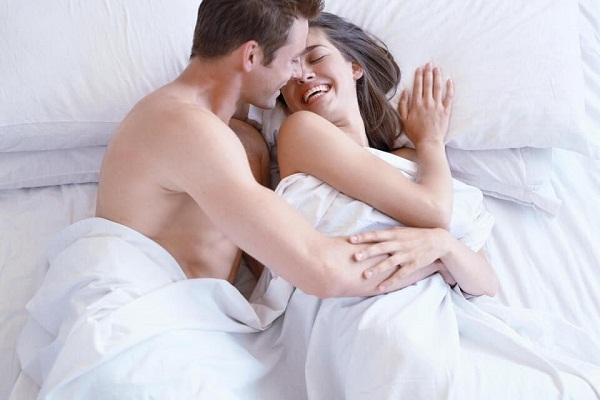 Massage bằng dầu bôi trơn - Phút giây mới lạ cho các cặp vợ chồng