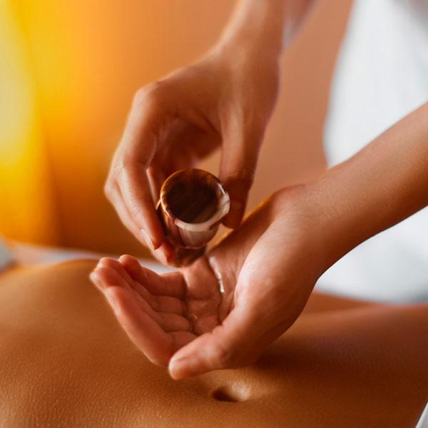 Tuyệt đỉnh bí kíp Massage giúp 'thăng hoa' trong 'chuyện ấy'